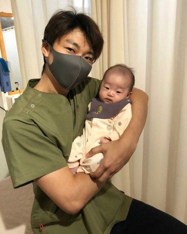 「赤ちゃんの抱き方」