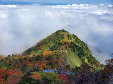 西日本最高峰、霊峰「石鎚山」(1982m)